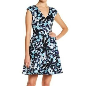 Vince Camuto Floral Print Pleated Dress Size 8.